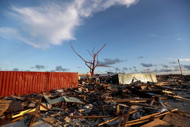 Ο κυκλώνας Ντόριαν στοίχισε τη ζωή σε τουλάχιστον 45 ανθρώπους, σύμφωνα με νέο