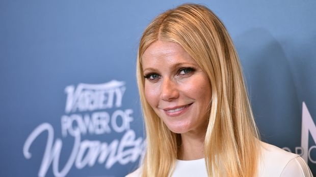 Gwenyth Paltrow arrives at the Variety Power of Women luncheon at the Beverly Wilshire hotel on Friday, Oct. 9, 2015, in Beverly Hills, Calif. (Photo by Jordan Strauss/Invision/AP)