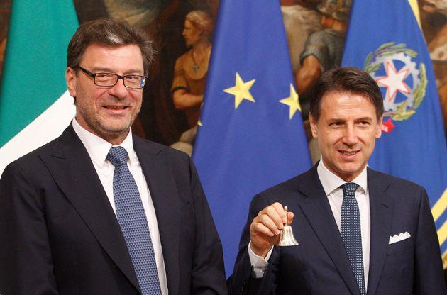 """Giancarlo Giorgetti: """"Conte da marzo ha cambiato pelle, ha preso in mano la"""