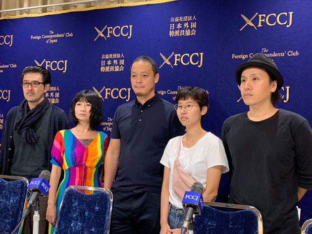 左から、高山明さん、ホンマエリさん、小泉明郎さん、大橋藍さん、卯城竜太さん