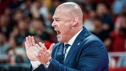 El entrenador polaco se hace viral por este detalle: