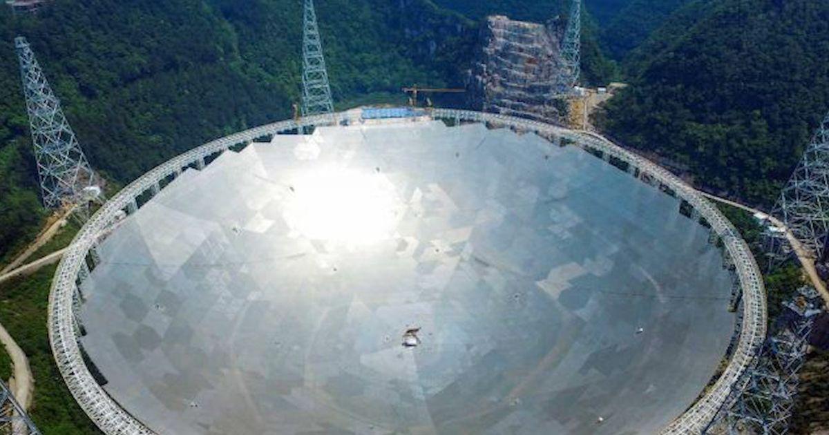 Le plus grand télescope du monde capte des signaux mystérieux en masse