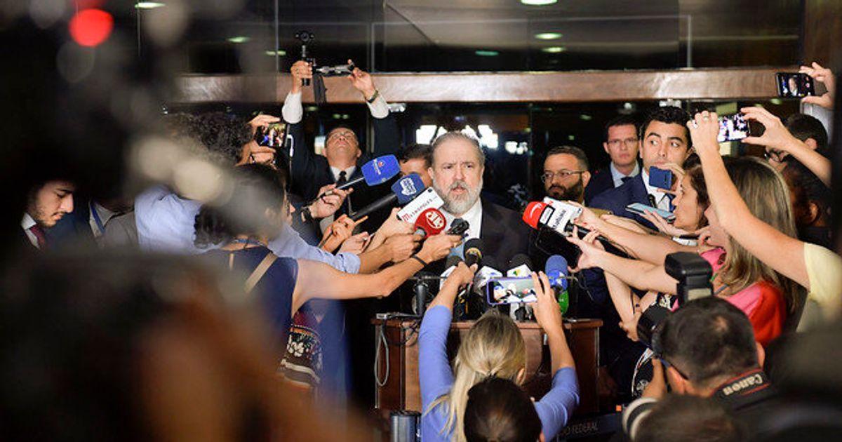 A pedido de Bolsonaro, Alcolumbre dá uma mãozinha a Aras no Senado