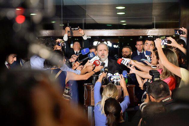 Depois de se reunir com senadores, Augusto Aras diz que não