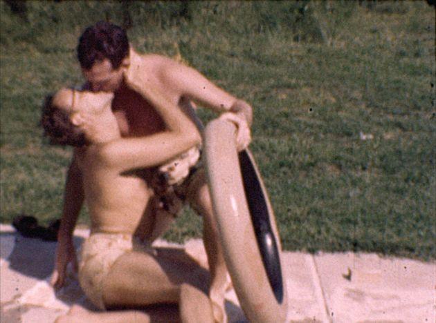 """""""Gay Home Movie"""" vai mostrar cenas gravadas numa festa numa piscina que aconteceu por volta..."""