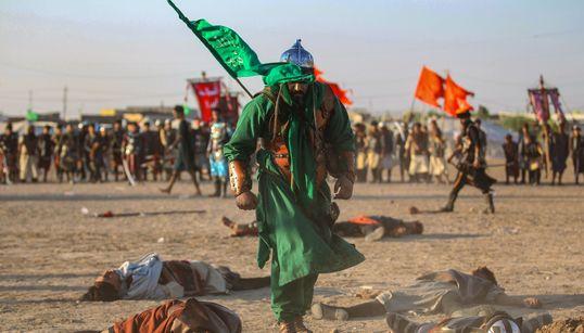 Βίαιες αναπαραστάσεις, σκληρές εικόνες και 31 νεκροί στους εορτασμούς της Ασούρα στο