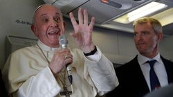 Papa Francesco in volo: