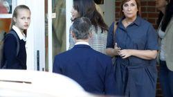 La llamativa foto en la puerta del colegio de Leonor y Sofía: imposible no verlo a la