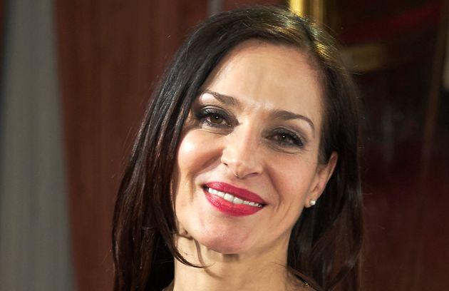 La actriz Natalia Millan, en los Premios Valle Inclán en el Teatro Real de Madrid el 7 de mayo...