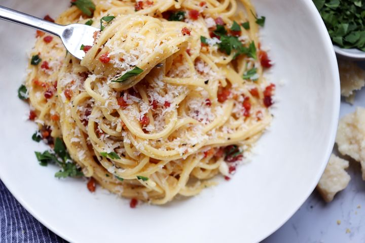 How To Make Spaghetti Carbonara Without Screwing It Up