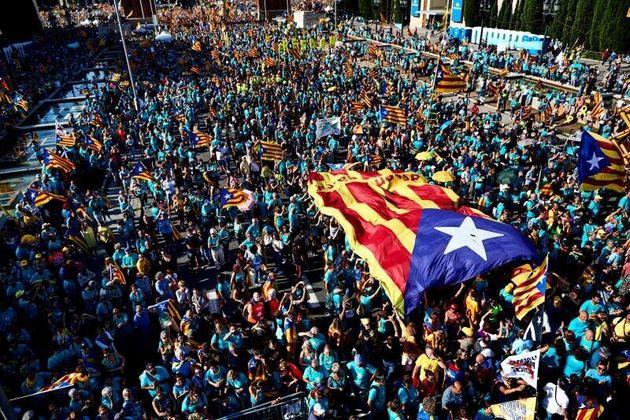 La marcha de la Diada registra la participación más baja de los últimos años en plena pugna del
