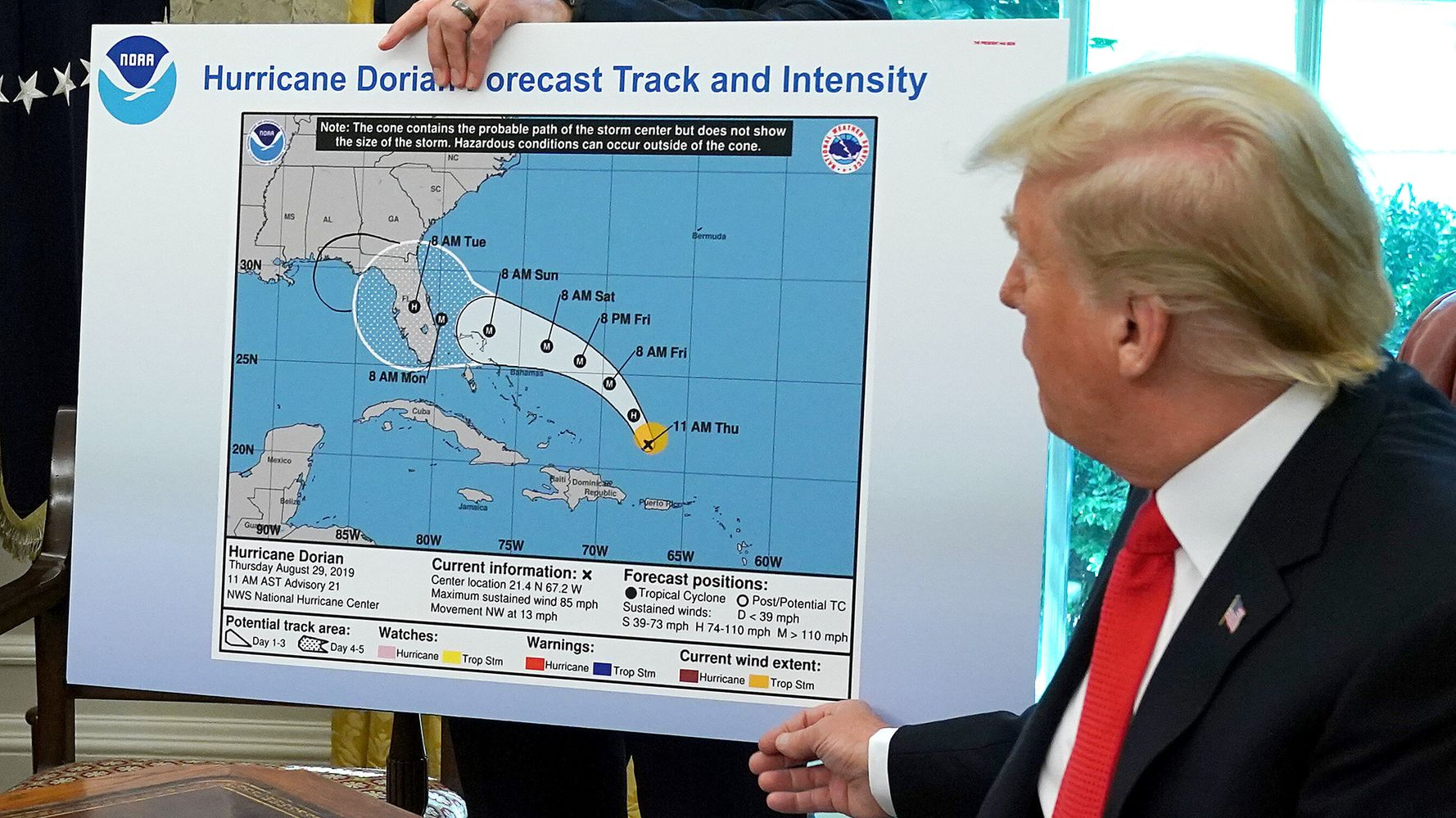 Westlake Legal Group 5d7927bb240000c92b77d07c White House Wanted NOAA To Lie About Hurricane Forecast: Report