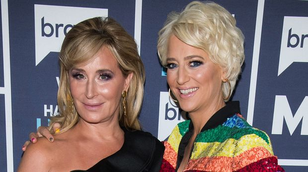WATCH WHAT HAPPENS LIVE WITH ANDY COHEN -- Pictured (l-r): Sonja Morgan and Dorinda Medley -- (Photo by: Charles Sykes/Bravo/NBCU Photo Bank via Getty Images)