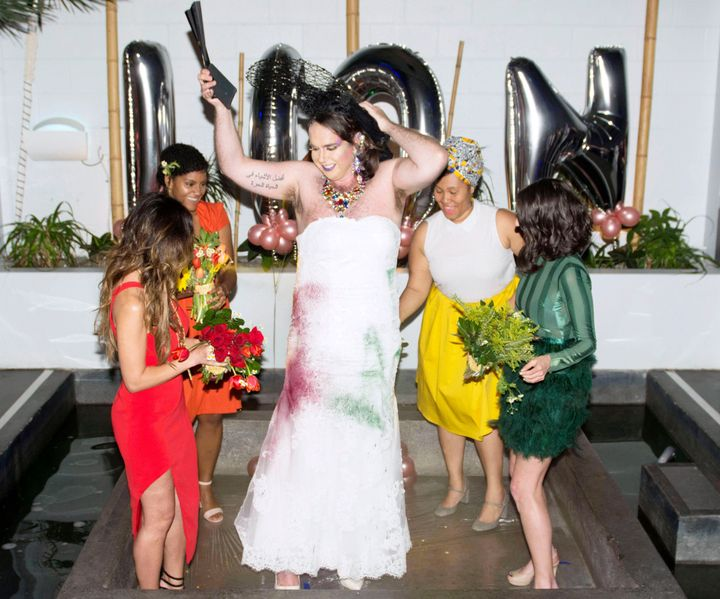 Inside each of the bridesmaids' bouquets were hidden spray-paint cans. Following the vows, the bridal party tore off Diane's