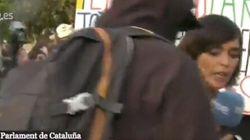 Agreden a una reportera de TVE en las protestas frente al