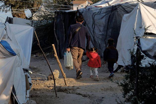 New York Times: Οι προσφυγικές ροές στην Ελλάδα αυξάνονται, καθώς ο Ερντογάν απειλεί με