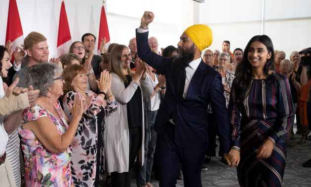 NDP Leader Jagmeet Singh leaves the first campaign event with his wife Gurkiran Kaur in London, Ont....