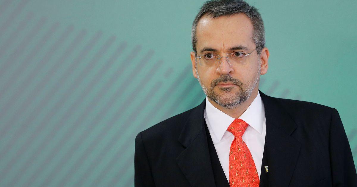 MEC revê corte e retoma financiamento de 3 mil bolsas oferecidas pela Capes