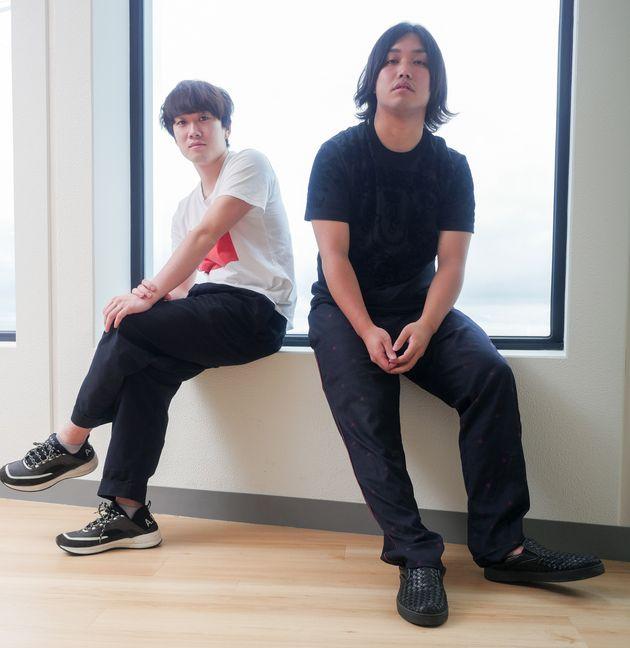 カンタ(左)はチャンネルで主に企画・動画編集を担当、トミー(右)は動画に出演しながらイベントのプロデュースやドッキリ企画を行う
