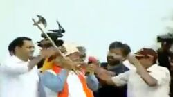 Khattar Threatens To Chop Off Supporters' Head When They Try To Crown