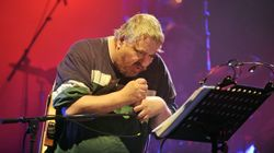 Daniel Johnston, figure du rock alternatif et dessinateur américain, est