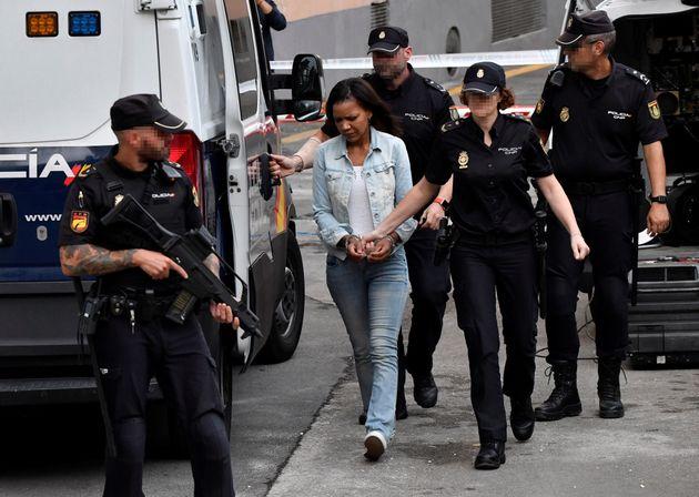 AnaJuliaQuezada a su llegada a la Audiencia Provincial de Almería, este