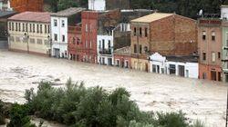 Lluvias torrenciales desbordan el río Clariano y obliga a la evacuación de vecinos en