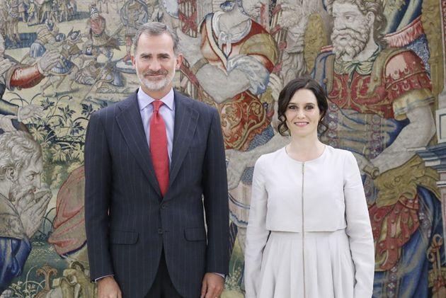 Isabel Díaz Ayuso y el rey Felipe