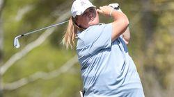 La golfista rifiutata dagli sponsor per i chili in più sarà professionista grazie al
