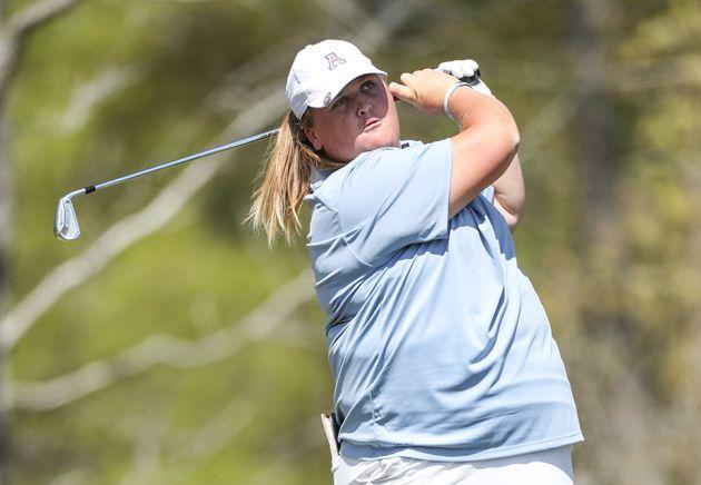 Haley Moore: golfista rifiutata dagli sponsor per i chili in più sarà professionista grazie al
