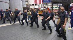 Bomberos neozelandeses homenajean con una 'Haka' a los socorristas del