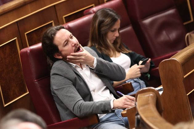 Pablo Iglesias, líder de Podemos, bostezando en el