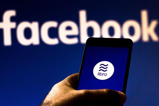 «Όχι» από τη Γαλλία στη χρήση του κρυπτονομίσματος του Facebook, Libra, στην