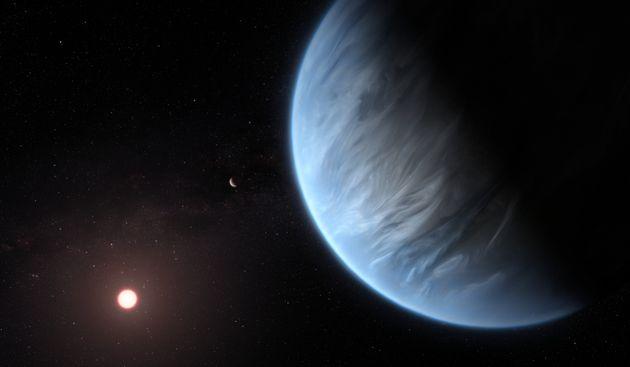 Découverte en 2015, l'exoplanète K2-18b, orbite autour de l'étoile K2-18, une naine...