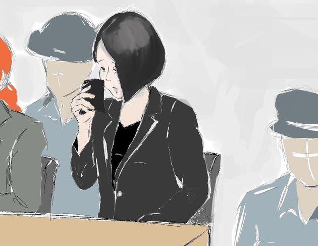 法廷では優里被告が黒いハンカチで涙をぬぐう場面も多かった=2019年9月3日、東京地裁