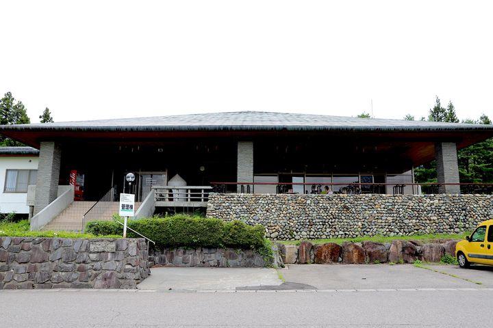 LivingAnywhere Commons会津磐梯は、猪苗代駅(福島県)から車で10分程度の緑豊かな場所にある