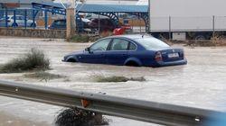 El río Segura comienza a desbordarse en la ciudad de Orihuela y amenaza con hacerlo en