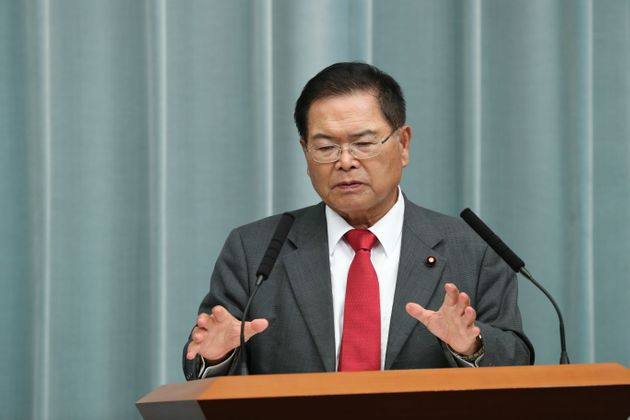 記者会見する竹本直一IT担当大臣=9月11日、首相官邸