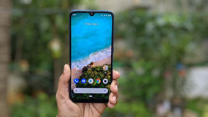 Xiaomi Mi A3 has a bezel-less display with a tear-drop cut-out in a 6.08-inch display.