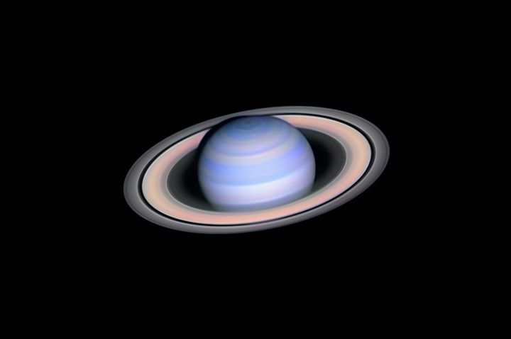 Infrared Saturn, by L&aacute;szl&oacute; Francsics.<br /><br />With this image, the photographer decided to take on the challenge of revealing the very near infrared colours of Saturn.&nbsp;