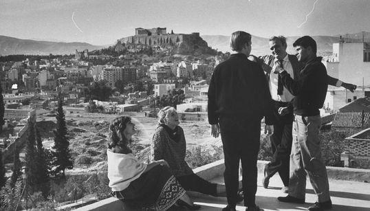 Ο Νάνος Βαλαωρίτης δίνει μία συγκλονιστική απάντηση για την ελληνική ψυχή και
