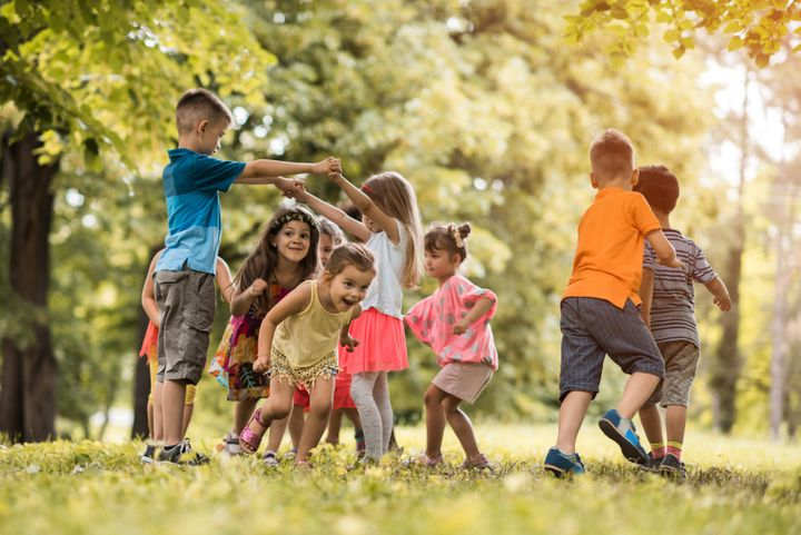 Outdoor Play Is Essential For Kids' Health, Even If Parents Worry: Study |  HuffPost Canada Parents