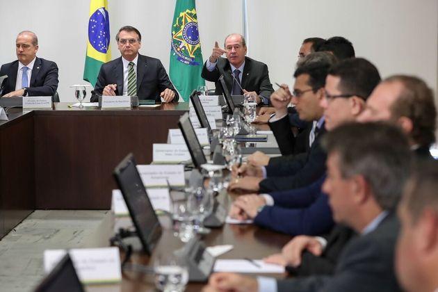 Em reunião sobre a Amazônia de governadores com Bolsonaro em agosto, Helder Barbalho (Pará)...
