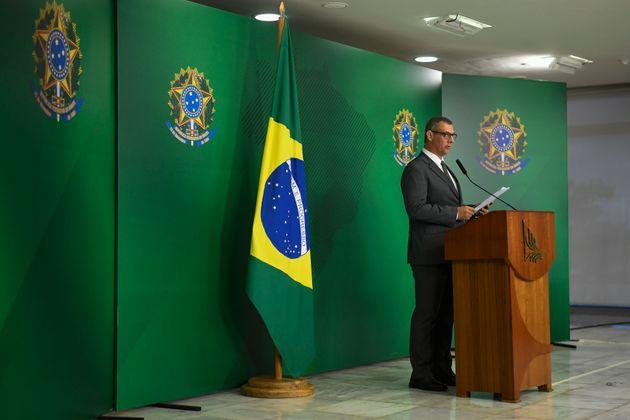 General Otávio Rêgo Barros é porta-voz de Bolsonaro, mas desvinculado da estratégia...