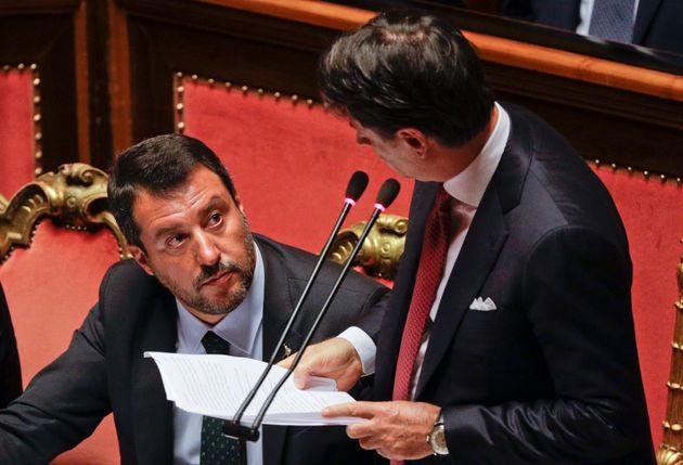 """Matteo Salvini contro Conte: """"Evita i terremotati, ma che persona triste è?"""""""