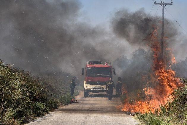 Κόκκινος συναγερμός στην Πυροσβεστική και την Κυριακή για έξι