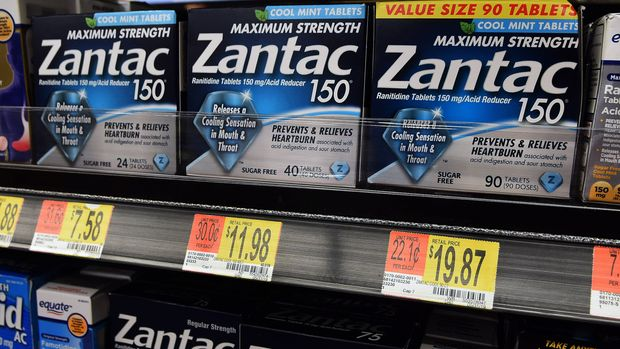 ORLANDO, FLORIDA, UNITED STATES - 2019/09/13: In this photo illustration the Zantac tablets, The U.S. Food and Drug Administration has learned that some acid-reducing and heartburn medicines, including Zantac, contain low levels of a cancer-causing impurity. (Photo Illustration by Paul Hennessy/SOPA Images/LightRocket via Getty Images)