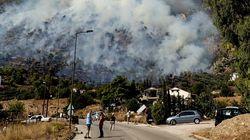 Μεγάλη πυρκαγιά στo Λουτράκι - Εκκενώθηκαν μοναστήρι και