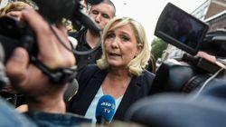 """""""On ne va pas le laisser faire campagne tout seul"""": Le Pen rejoue le match contre Macron avant"""