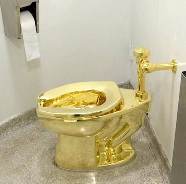 盗難にあった「黄金の便器」